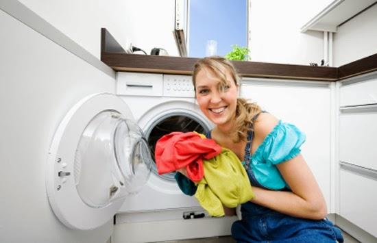Vệ sinh máy giặt thường xuyên giúp quần áo bạn không bị các mùi hôi bám vào