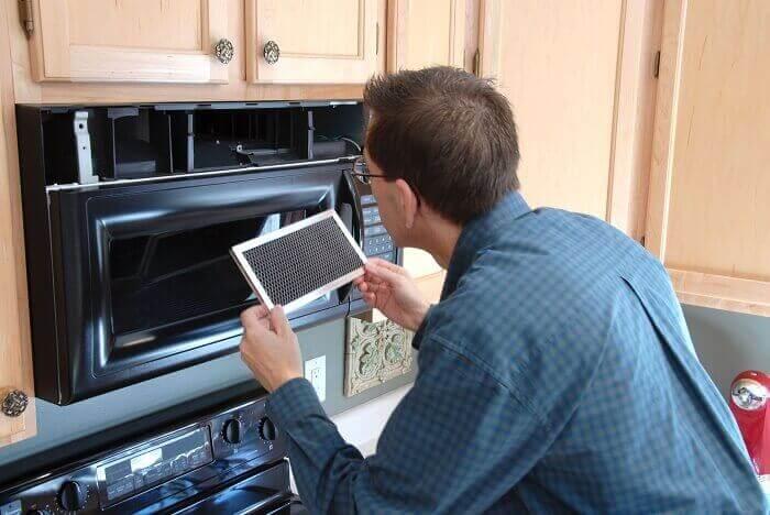 Khi lò vi sóng gặp bất kỳ trục trặc nào hãy liên hệ với dịch vụ sửa lò vi sóng quận 2 nhé