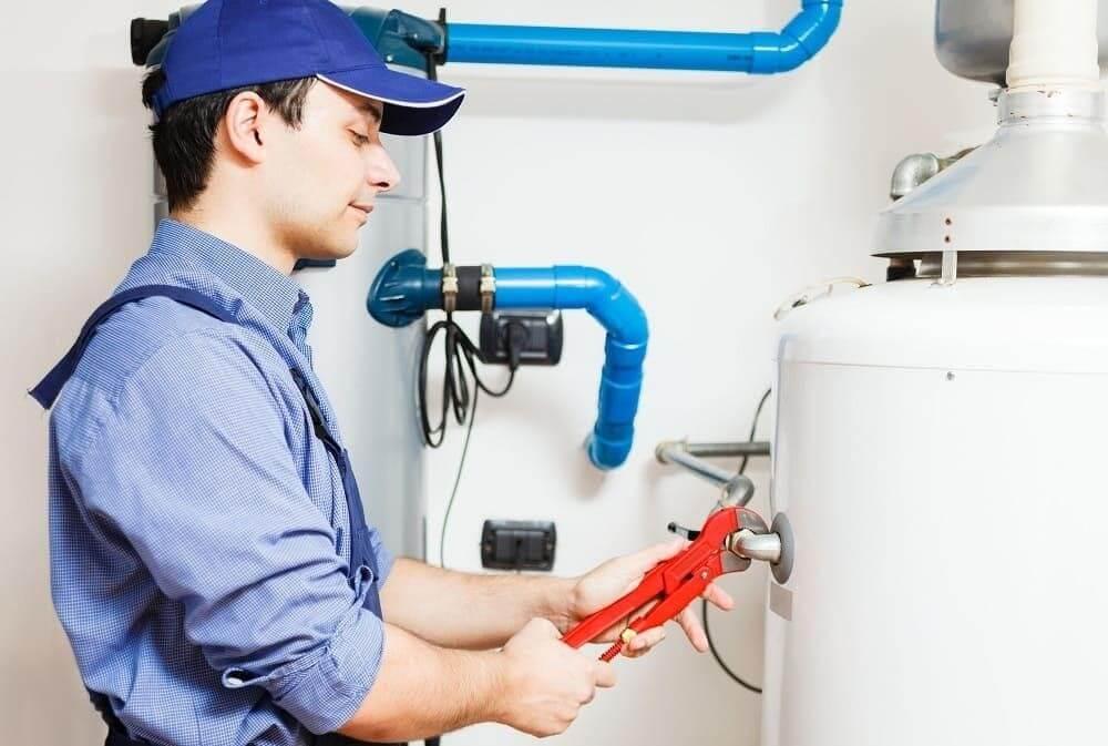 Dịch vụ sửa máy nước nóng lạnh quận 3 chuyên nghiệp, nhanh chóng