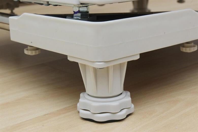 Chân đế thường được sản xuất bằng chất liệu cao cấp, có độ bền cao
