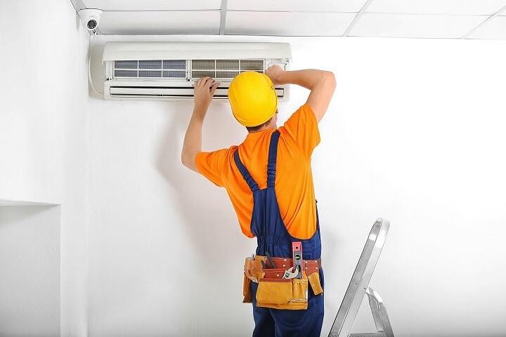 Khi cục nóng của điều hòa bị hỏng bạn nên liên hệ với đơn vị sửa chữa chuyên nghiệp
