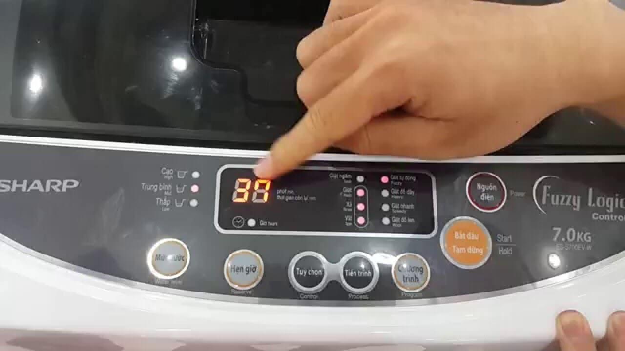 Chế độ tự động vệ sinh lồng giặt hiện đại.